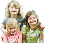 Sportangebote für Kinder: drei lachende Mädchen