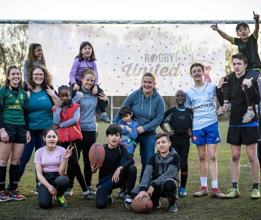 Kinder und Jugendliche bei Rugby Event