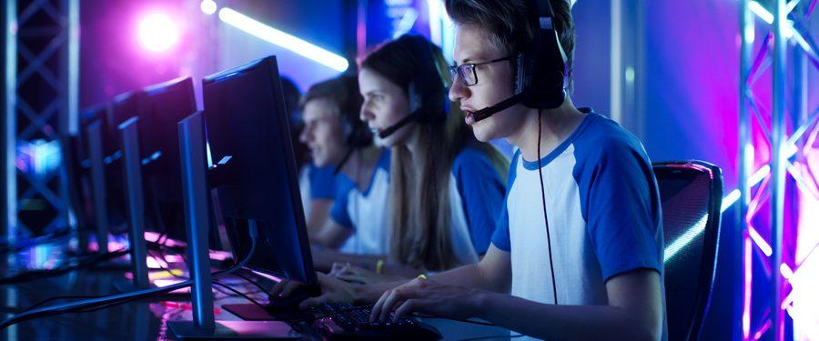 Jugendliche beim E-Sport