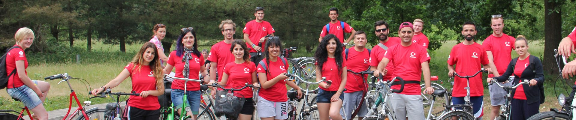 Headerbild Internationale Jugendarbeit: deutsch-türkische Radfahrergruppe
