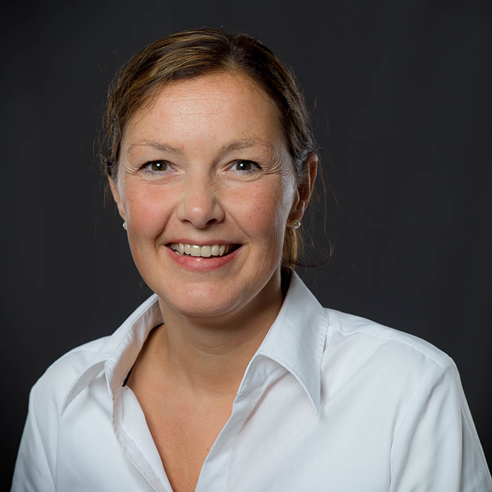 Chantal Jakstadt, Referentin Internationales